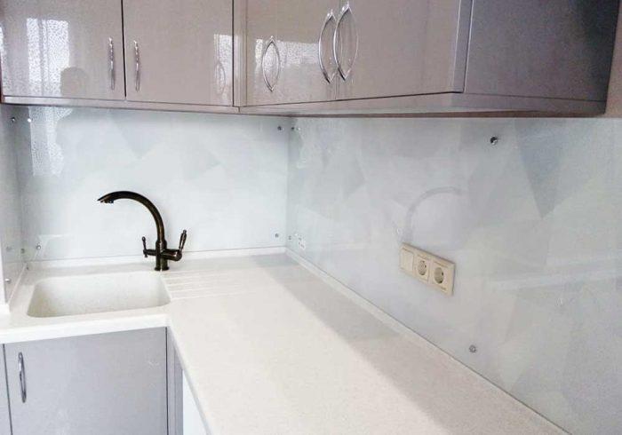 Стеклянный фартук на кухню Ромбы